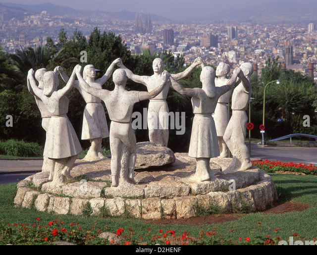 Sardana statues montjuic barcelona spain stock photos for Barcelona jardin