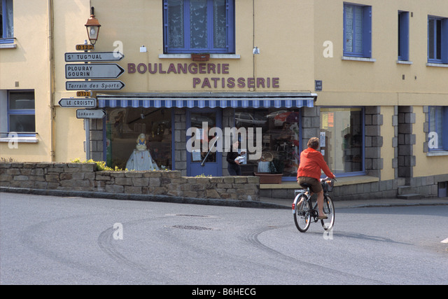 cycling brittany stock photos cycling brittany stock images alamy. Black Bedroom Furniture Sets. Home Design Ideas