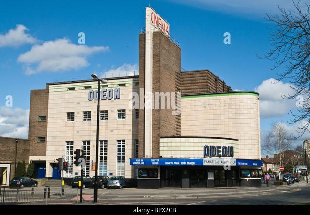 dh  HARROGATE NORTH YORKSHIRE Odeon Cinema artdeco film theatre building art deco england uk - Stock Image
