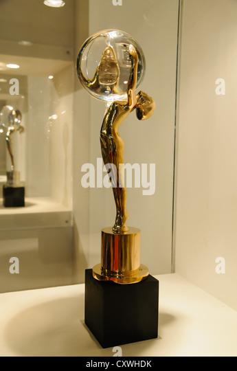 Statue Karvoly Vary Film festival award - The Crystal Globe - Stock-Bilder