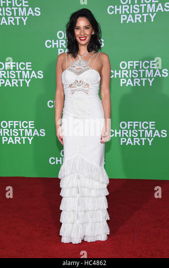 Westwood, California, USA. 7th Dec, 2016. Olivia Munn arrives for the premiere of the film 'Office Christmas - Stock-Bilder