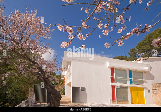 Mallorca Miro Foundation museum atelier outdoor almond blossom - Stock Image