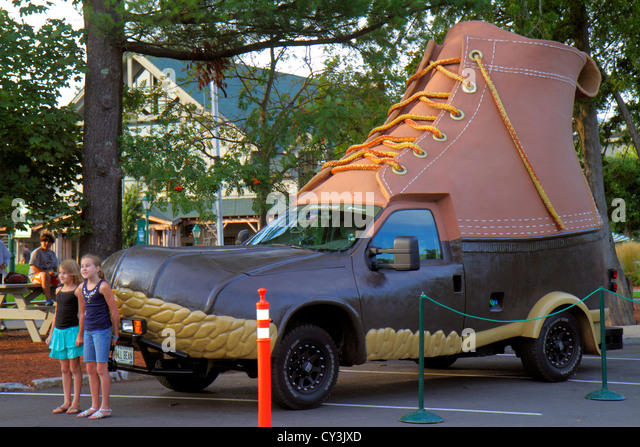 Maine Freeport Main Street shopping L. L. Bean outdoor clothing fashion sports Bootmobile giant boot shoe promotional - Stock Image