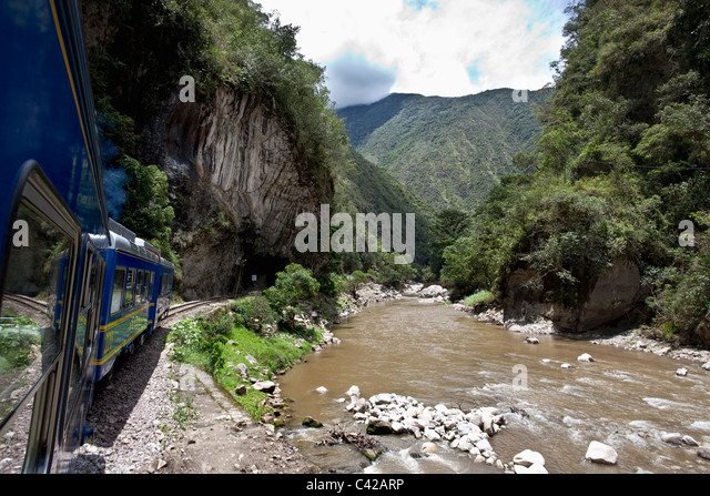 Peru, Aguas Calientes, Machu Picchu, Train from Ollantaytambo to Aguas Calientes. - Stock Image