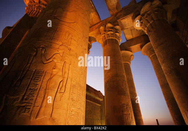 Egypt North Africa Kom Ombo temple antiquity antique cultural site dusk twilight columns Hieroglyphen - Stock-Bilder