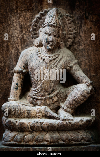 Idol carving stock photos images alamy