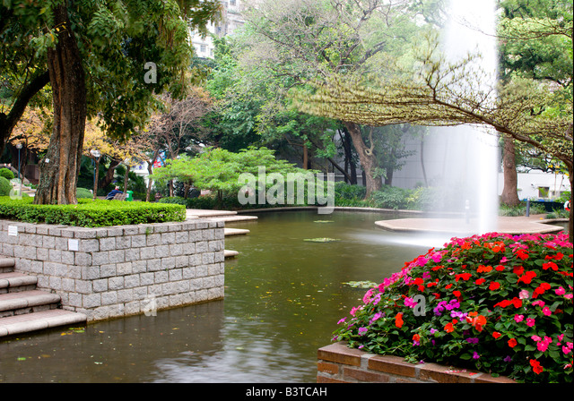 Yau tsim mong stock photos yau tsim mong stock images for Ornamental pond fish port allen