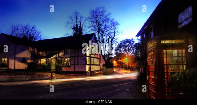 The Pickerings Arms, Thelwall old post office and Bell lane at night, South Warrington, Cheshire, English village, - Stock Image