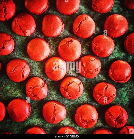 Red Macarons top view - Stock-Bilder