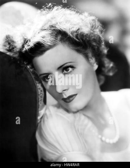 IRENE DUNNE (1898-1990) American singer and film actress about 1935 - Stock-Bilder