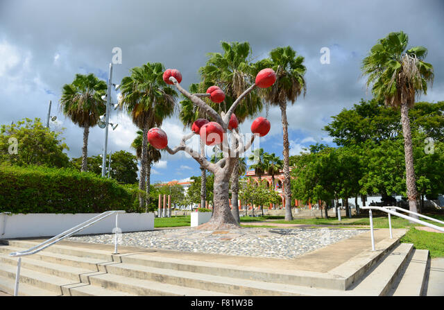 Sculpture of a coffee tree (by the artist Ming Fay) at the center of the town of Yauco, Puerto Rico. Caribbean Island. - Stock Image