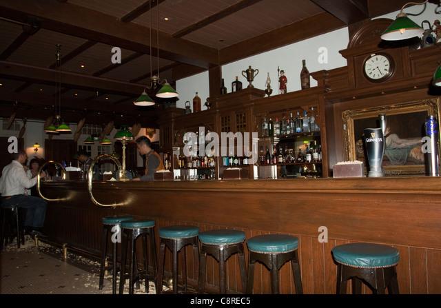 The Long Bar in Raffles Hotel, Singapore - Stock Image