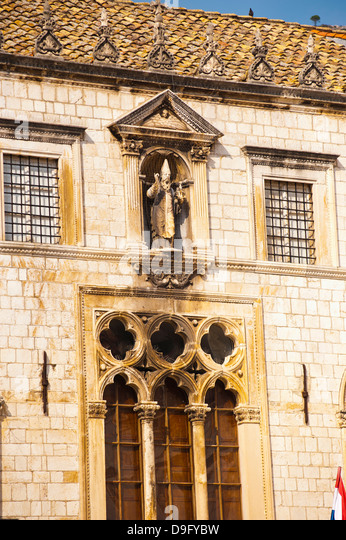 Sponza Palace and a statue of St. Blaise, Dubrovnik Old Town, UNESCO World Heritage Site, Dubrovnik, Croatia - Stock Image