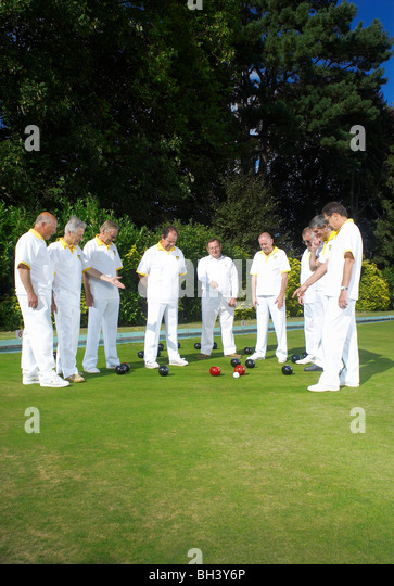 bowlers looking at decision - Stock Image