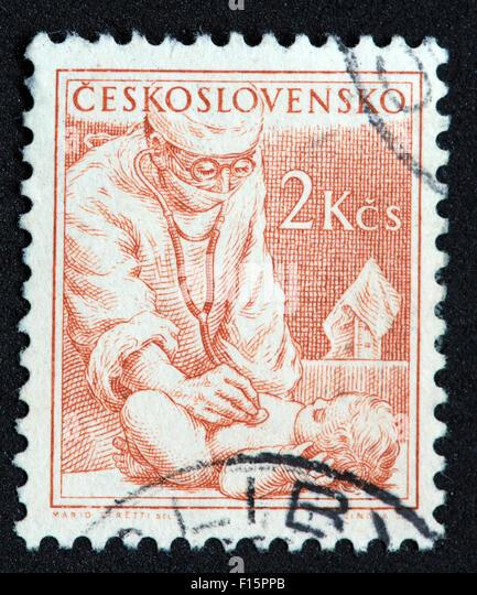 Ceskoslovensko Doctor examining examine baby infant Mario Stretti Del 2Kcs Stamp - Stock Image