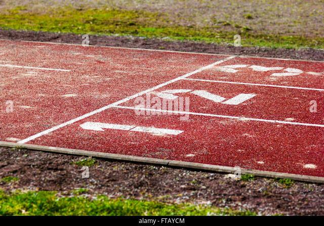 start position on tartan track - Stock-Bilder