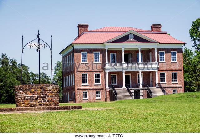 South Carolina Charleston SC Drayton Hall historic plantation preservation Palladian architecture garden brick water - Stock Image
