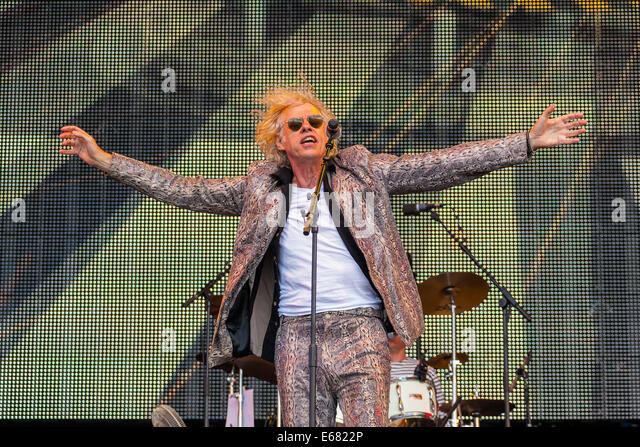 Remenham Henley-on-Thames Oxfordshire UK. 17 August 2014. Singer BOB GELDOF Lead Singer of The Boomtown Rats performs - Stock Image