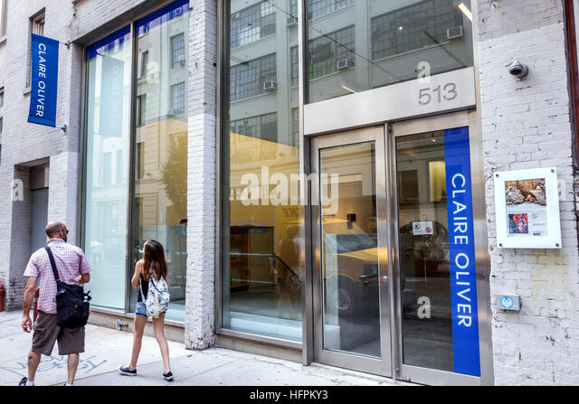 New York New York City NYC Manhattan Chelsea Claire Oliver Gallery contemporary art exterior front entrance - Stock Image
