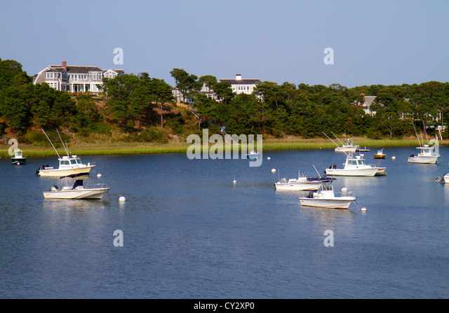 Massachusetts Cape Cod North Chatham Ryder's Cove boats anchored - Stock Image
