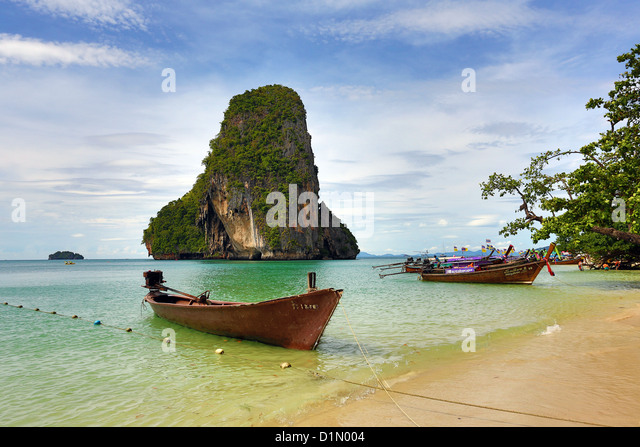Limestone rock formation off Phranang Cave Beach, Railay Beach, Krabi, Phuket, Thailand - Stock Image