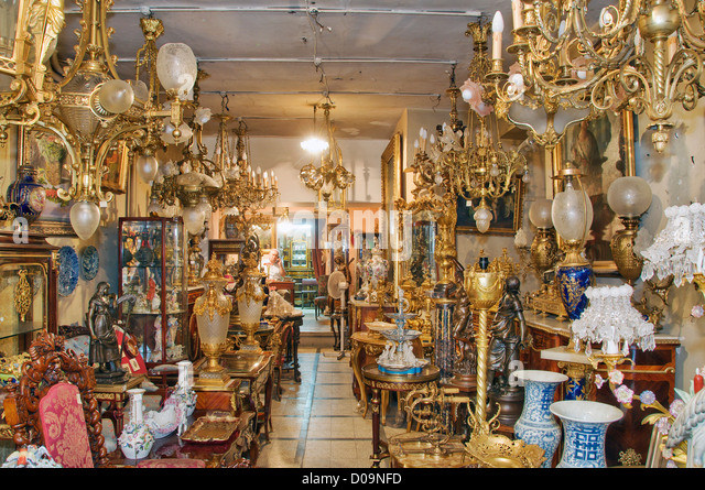 Antique shop Beyo?lu Istanbul Turkey - Stock-Bilder