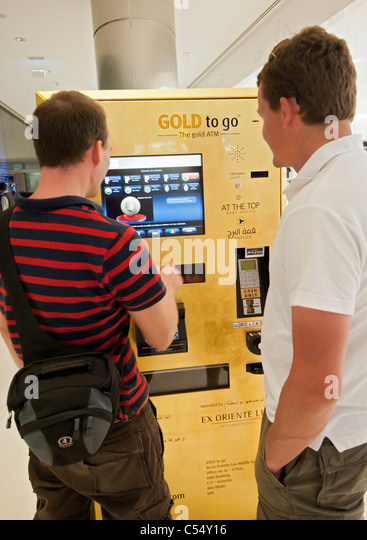 gold vending machine stock photos gold vending machine stock images alamy. Black Bedroom Furniture Sets. Home Design Ideas