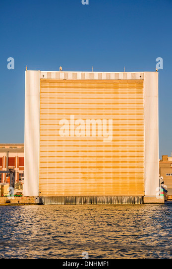 Building at the waterfront, Barcelona, Catalonia, Spain - Stock-Bilder