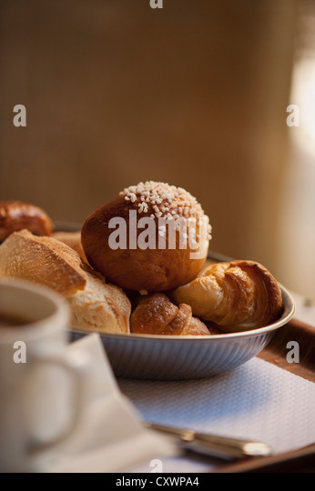 Bowl of breakfast pastries - Stock-Bilder
