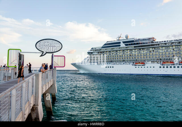 Oceania Cruises Stock Photos Amp Oceania Cruises Stock Images Alamy