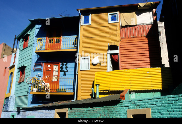 Colourful house fronts in La Boca, harbour quarter, Buenos Aires, Argentina - Stock Image