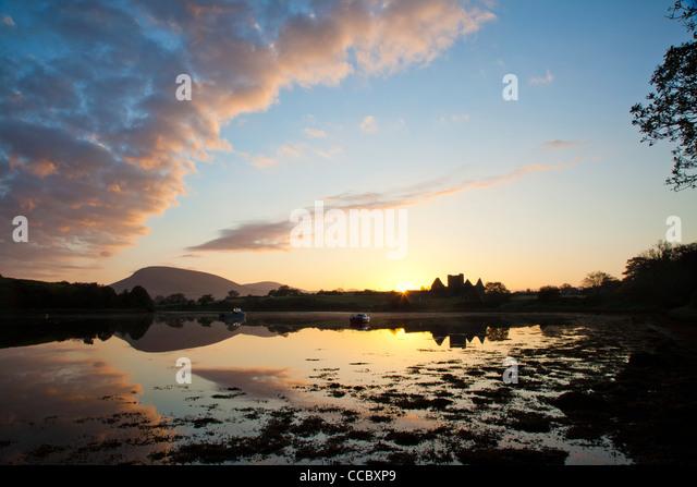 Sunset at Burrishoole Abbey, Clew Bay, County Mayo, Ireland. - Stock-Bilder