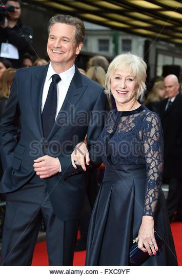 epa05254725 British actress Helen Mirren (R) and British actor Colin Firth pose with two soldiers during the film - Stock Image