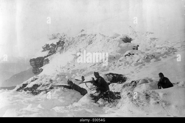 Austro-Hungarian field guard during battles in the Carpathians, 1916 - Stock Image