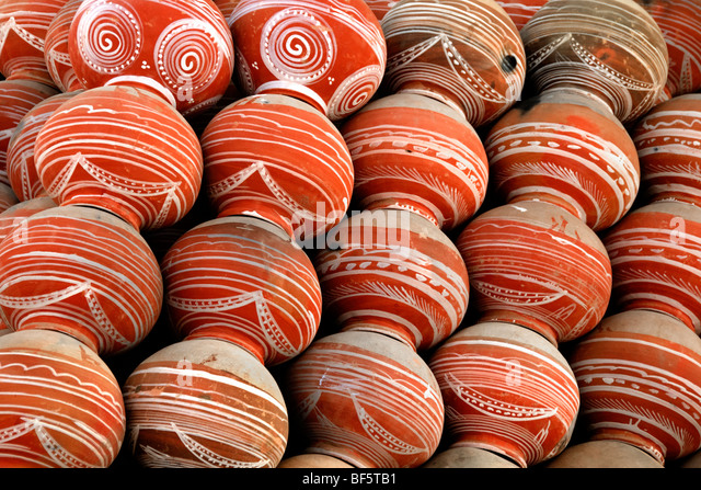 All set to quench everyone's thirst, Earthen pots hand made. - Stock Image