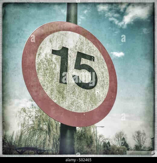 15 mph speed limit sign - Stock Image