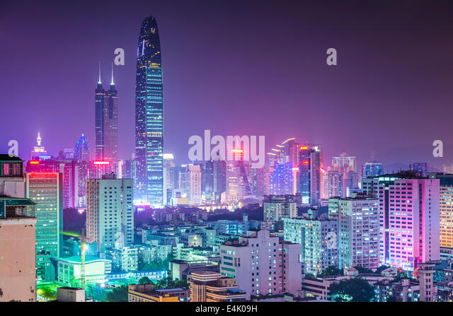Shenzhen, China city skyline at twilight. - Stock-Bilder