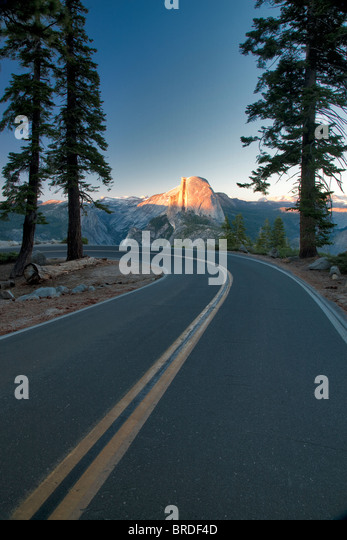Road to Glacier Point with Half Dome. Yosemite National Park, California - Stock Image