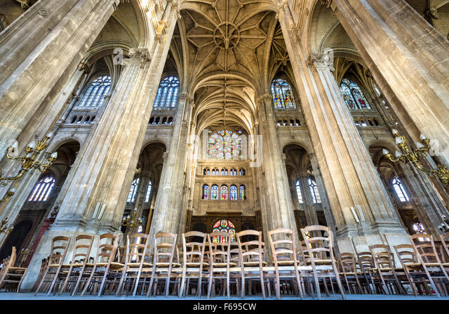 Transept with Vaulted Arches, Church of Saint Eustache, an example of French Gothic architecture. Paris, 75001, - Stock-Bilder