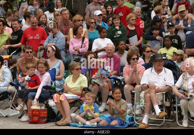 Cleveland Ohio University Circle Parade the Circle audience - Stock Image