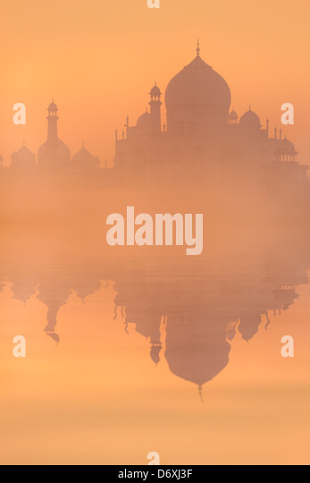 Skyline of Taj Mahal at sunrise, Agra, Uttar Pradesh, India - Stock Image