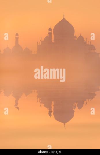 Skyline of Taj Mahal at sunrise, Agra, Uttar Pradesh, India - Stock Image