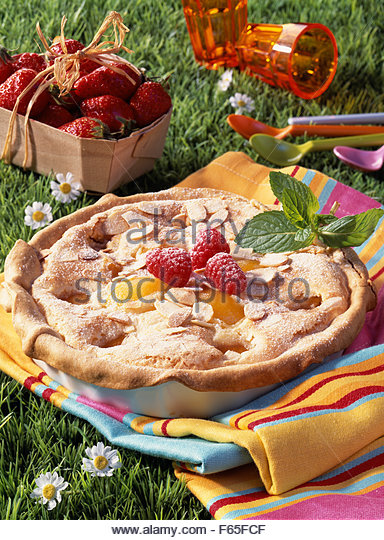 Amandine and apricot pie - Stock Image