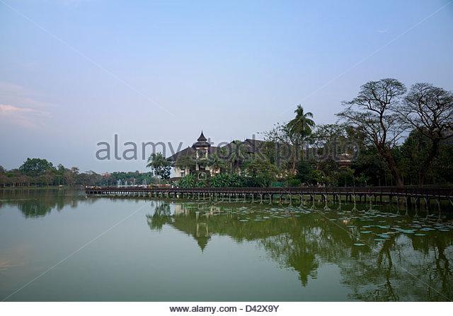 Kandawgyi Park and Lake Yangon Myanmar - Stock-Bilder