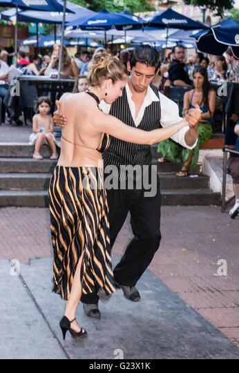 Tango Dance Couple , Antique market, Plaza Dorrego,  San Telmo,  Buenos Aires, Argentina - Stock Image