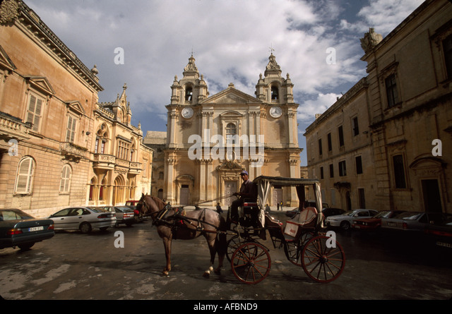 Malta Mdina St. Paul's Cathedral built 1702 horse drawn carriage - Stock Image