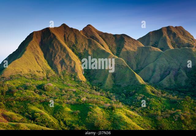 Last evening light on Cerros los Picachos de Ola, Cocle province, Republic of Panama. - Stock-Bilder