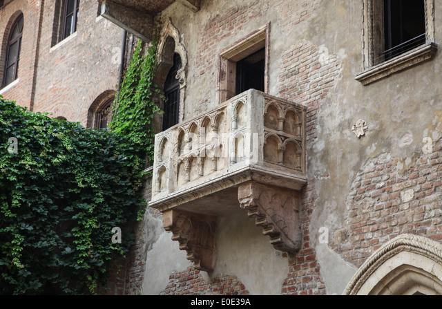 Juliets stock photos juliets stock images alamy for Famous balcony
