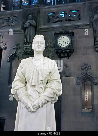 John Rylands Library Interior,Deansgate,Manchester,England,UK - Enriqueta Augustina Rylands (1907) statue - Stock Image