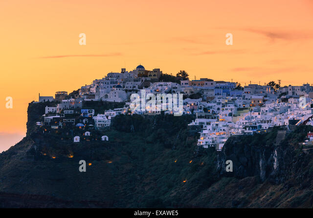 Imerovigli is a small town between Fira and Oia on Santorini, one of  Cyclades islands in Aegean Sea, Greece. - Stock Image